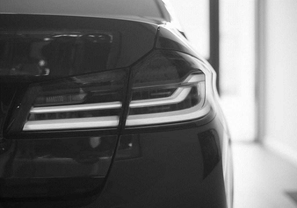 Części oryginalne czy zamienniki? Jakie części wybrać do samochodu BMW?