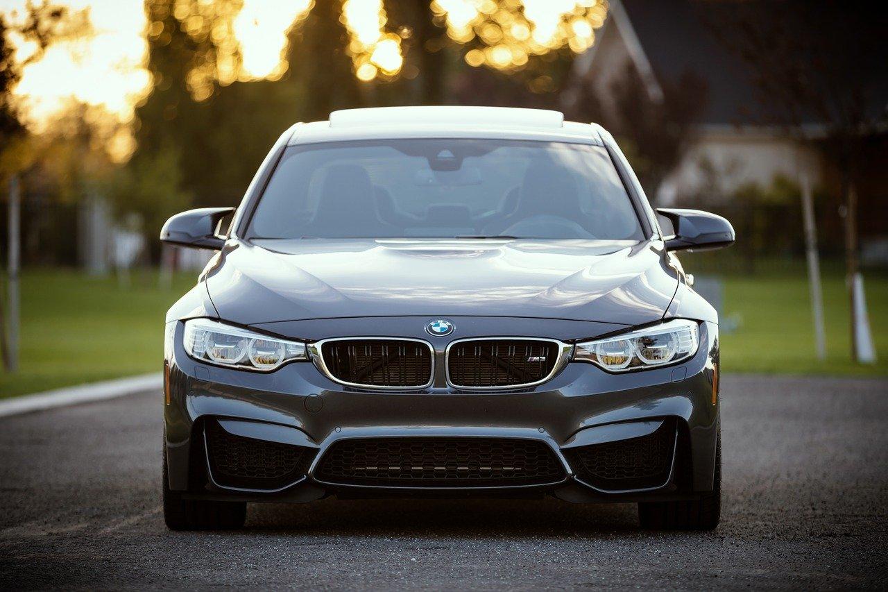 Jak usunąć owady z karoserii BMW?