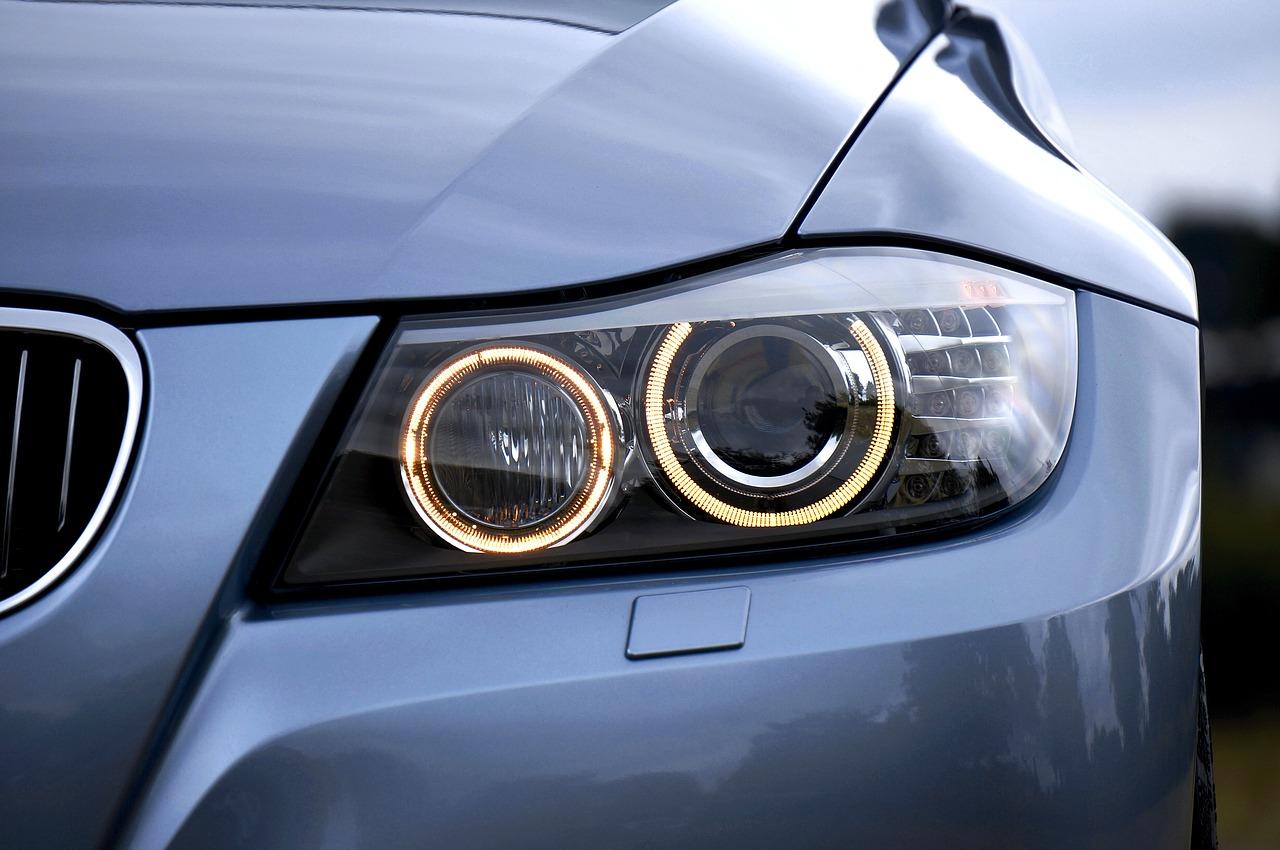 Świece żarowe w BMW – objawy awarii. Ile kosztuje wymiana?